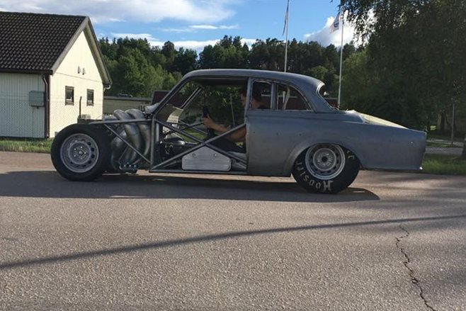 TWO-STROKE MARINE V8-POWERED VOLVO AMAZON