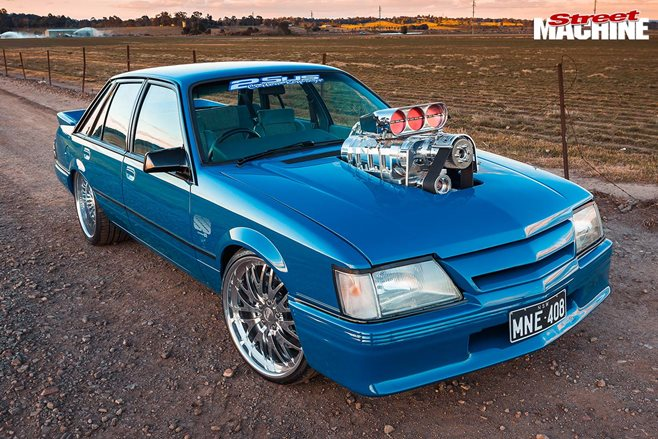 holden vk commodore 2 nw