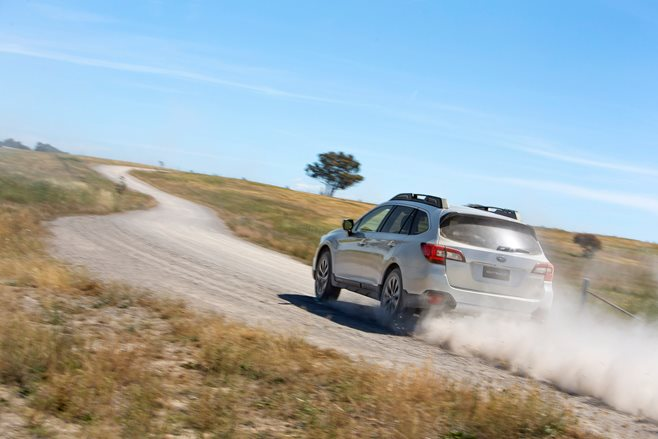 2015 Subaru Outback 2.5i Review image 3