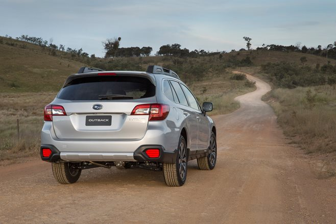 2015 Subaru Outback 2.5i rear static
