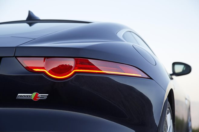 2015 Jaguar F-Type review 3
