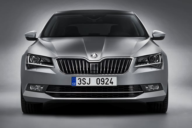 2015 Skoda Superb revealed 3