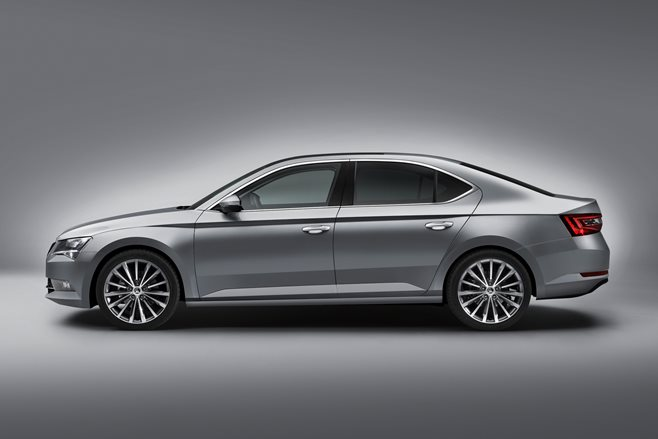 2015 Skoda Superb revealed 4