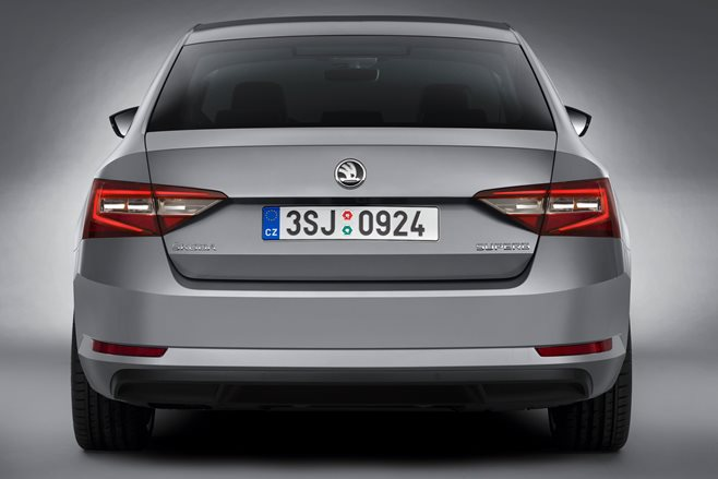 2015 Skoda Superb revealed 5