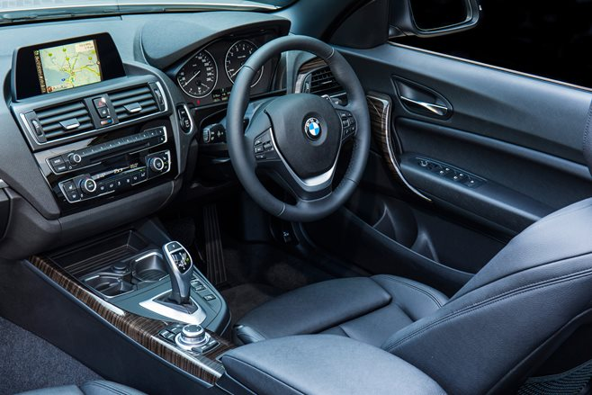 2015 BMW 220i Convertible 5