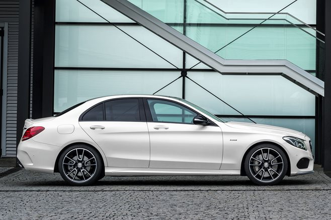 2016 Mercedes-Benz C450 AMG review 2