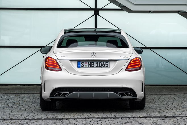 2016 Mercedes-Benz C450 AMG review 6
