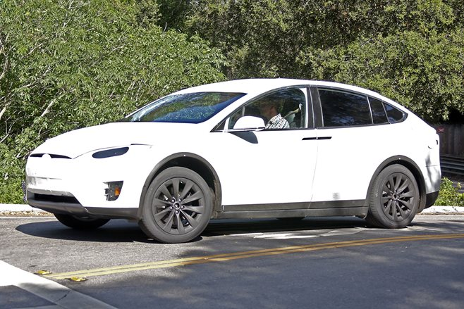2016 Tesla Model X spy pics