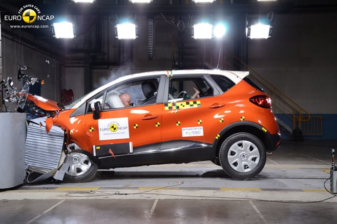 Renault Captur ANCAP crash test
