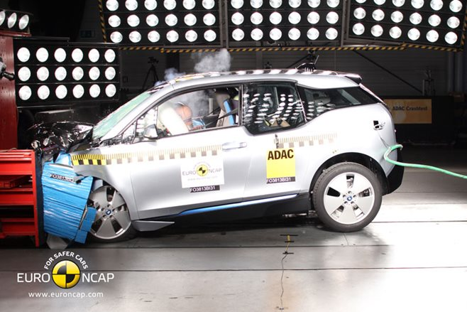 2015 BMW i3 ANCAP crash test