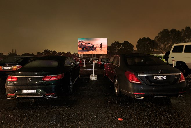 Mercedes-Benz S500 drive-in Mad Max