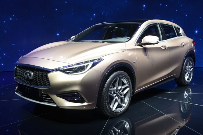 Infiniti Q30 could add hybrid hot-hatch