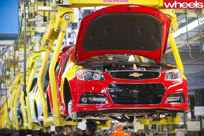 Holden posts profit for 2015