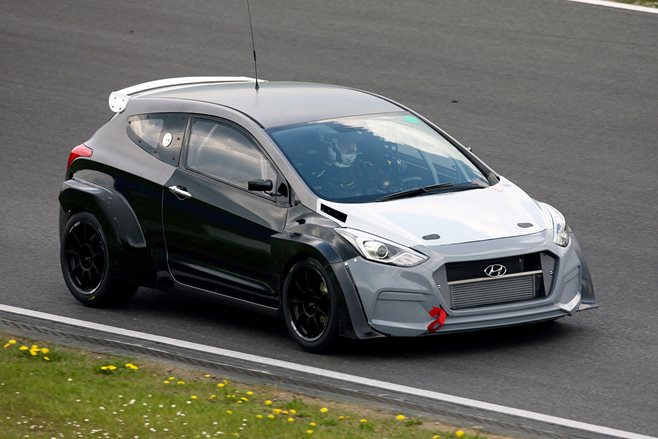 Hyundai i30 hot hatch at Nurburgring