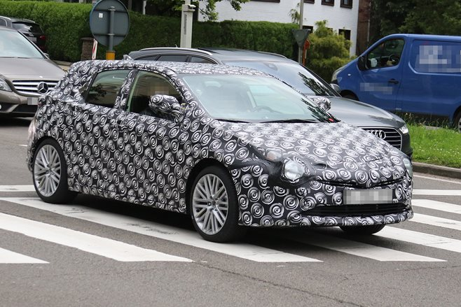 Toyota Auris Corolla spy pic photo