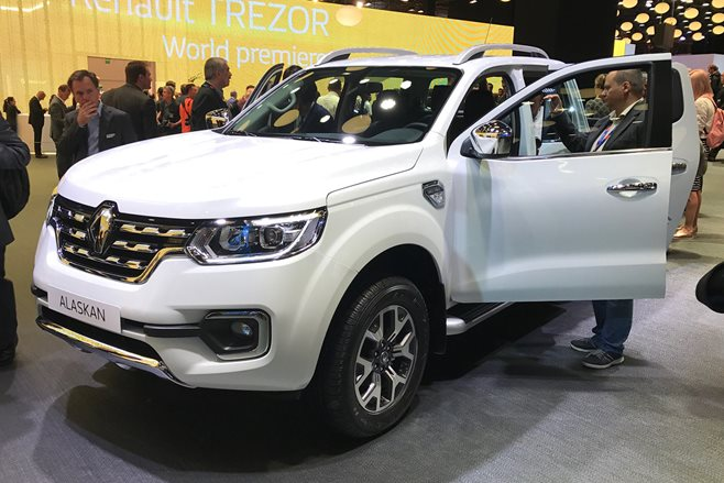 2016 Paris Motor Show: No rush for Renault Alaskan