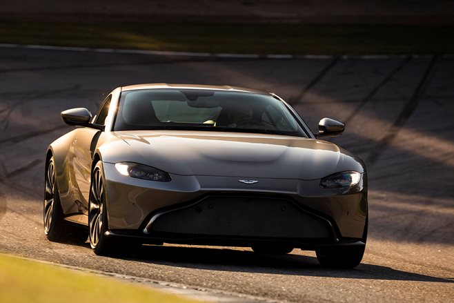 2018 Aston_Martin_Vantage front side action