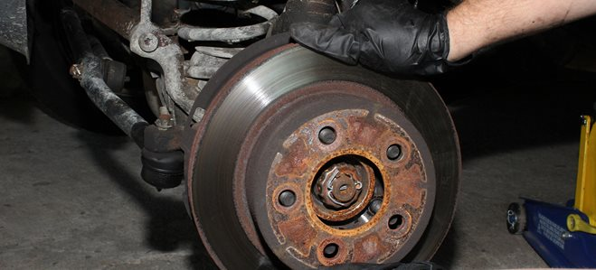 How to replace car brakes