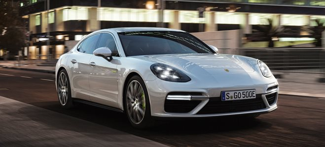 2017 Porsche Panamera Turbo S Hybrid revealed