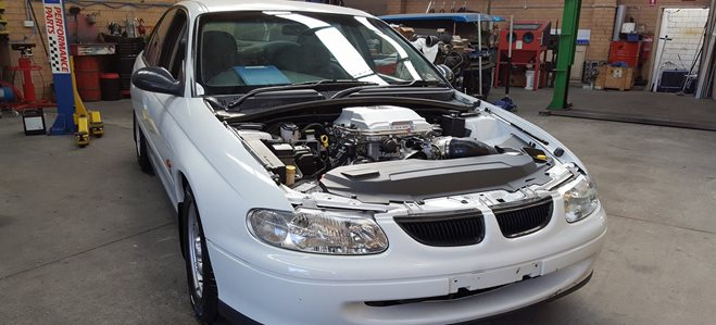 engine in Holden executive cop LS1