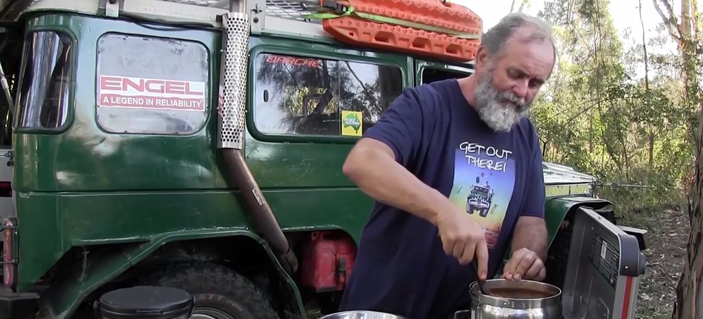 Bush cooking with Roothy: Chilli beef