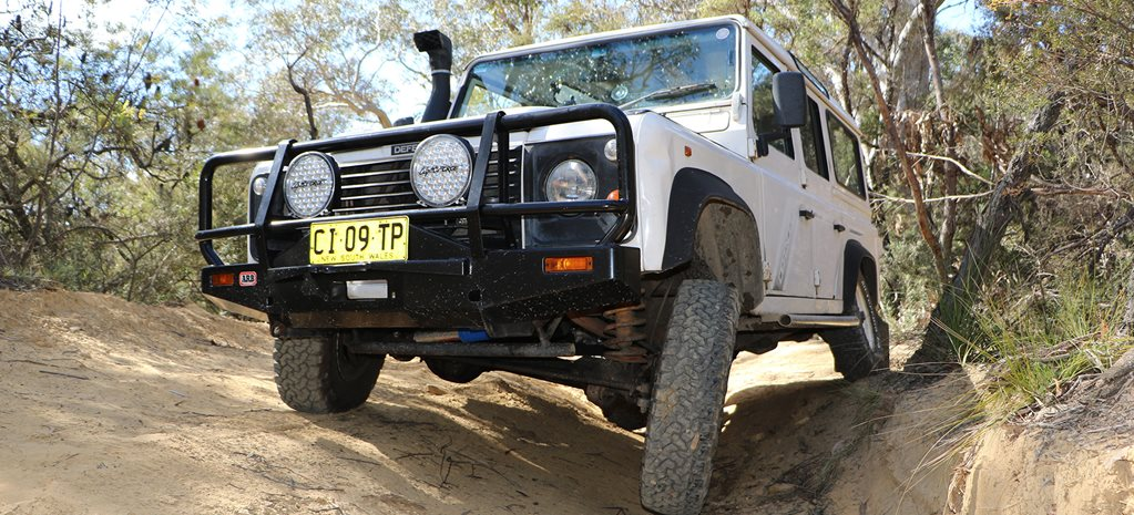Land Rover Defender 300TDI offroad main
