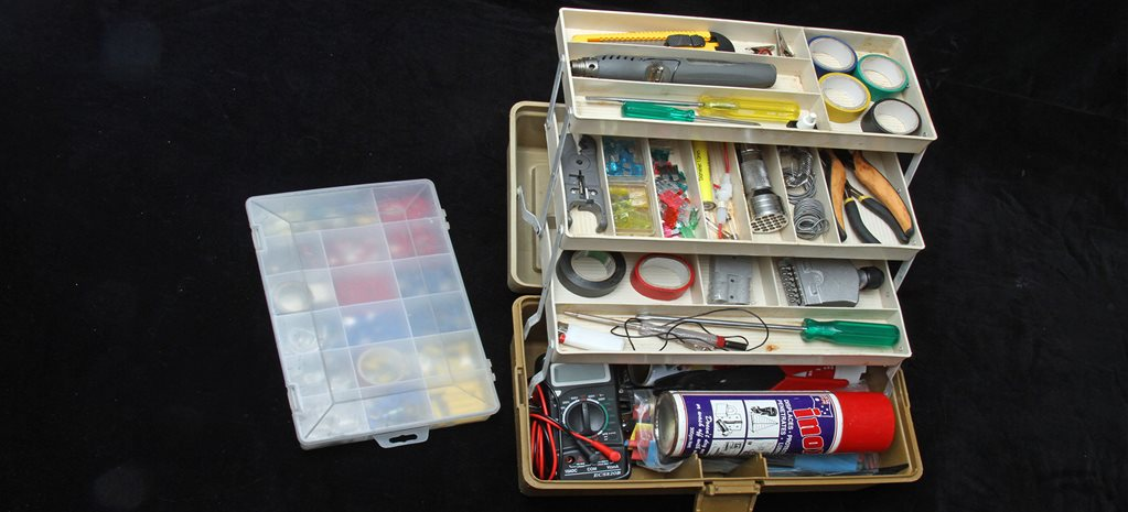Electrical emergency kit collated