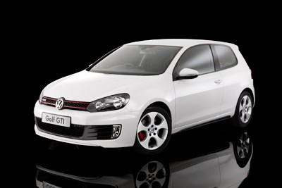 VOLKSWAGEN GOLF - WHEELS CAR OF THE YEAR