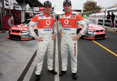 Whincup and Lowndes to stay at Vodafone until 2012 at least