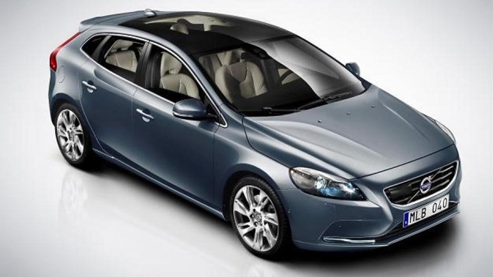 New Volvo V40 revealed ahead of Geneva debut
