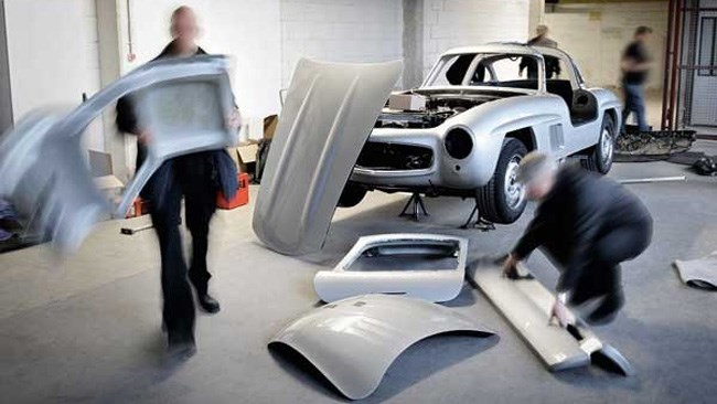 Mercedes crushes fake 300SL gullwing
