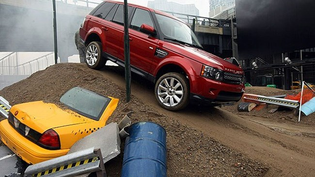 Land Rover off road course wows New York