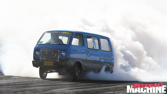 Suzuki Carry van, TOASTR, summernats, rolled over, burnout, 2013, crash, Dean Jury, cool, car, street machine magazine, 2013, Summernats 26 highlights, cool cars