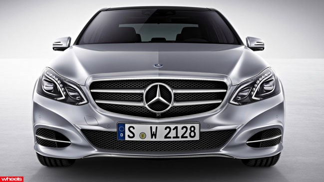 Review: Mercedes-Benz E400, Wheels magazine, new, interior, price, pictures, video