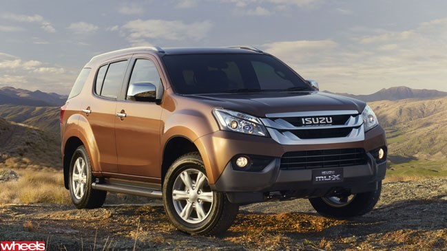 Isuzu MU-X, review, Wheels, magazine, 2013, Australia, small, SUV
