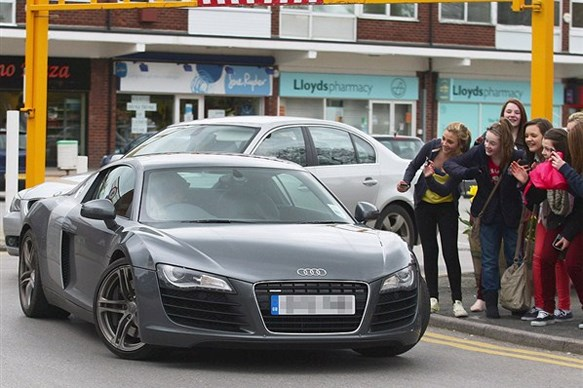 Harry Styles of One Direction buys an Audi R8