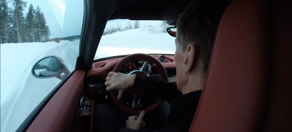 Walter Rohrl drifts 911 Turbo S at 150km/h… on ice