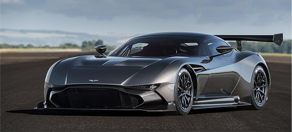 Aston Martin returns to F1 with Red Bull