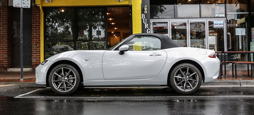 Mazda MX-5 2.0 enters the Garage