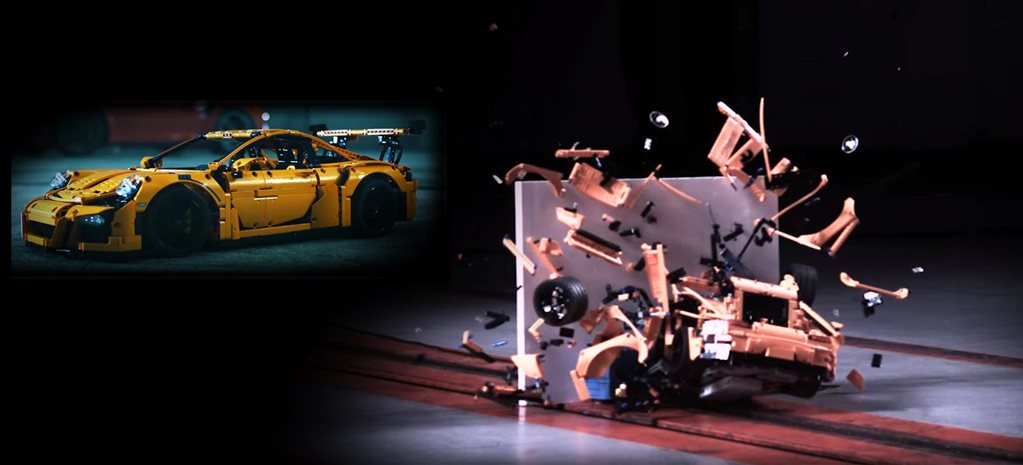 lego porsche 911 GT3 RS crashed2
