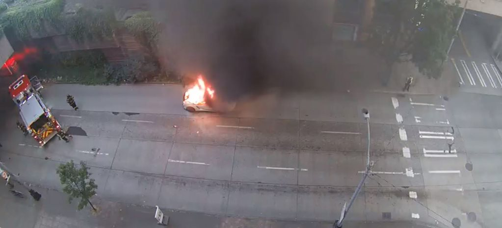Lamborghini Gallardo bursts into flames main