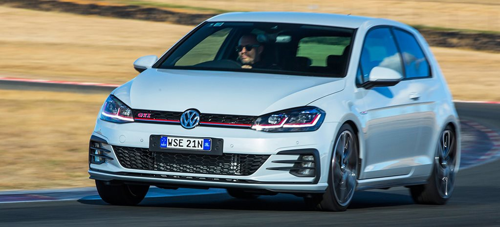 2017 Volkswagen Golf GTI Performance main