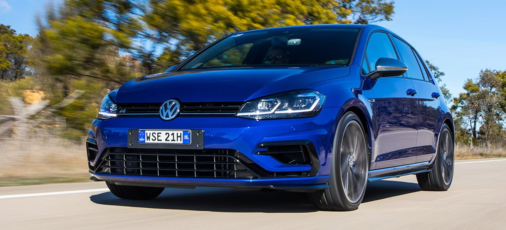 2017 Volkswagen Golf R manual main
