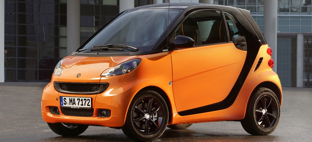 Get Smart: Pint-sized car plans shift back to showrooms