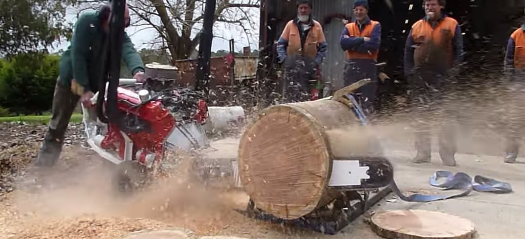 V8 CHAINSAW IS AUSSIE ENGINEERING AT ITS FINEST