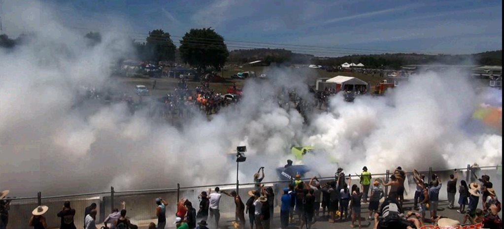 VIDEO: SUMMERNATS 28 - NEW BURNOUT WORLD RECORD!