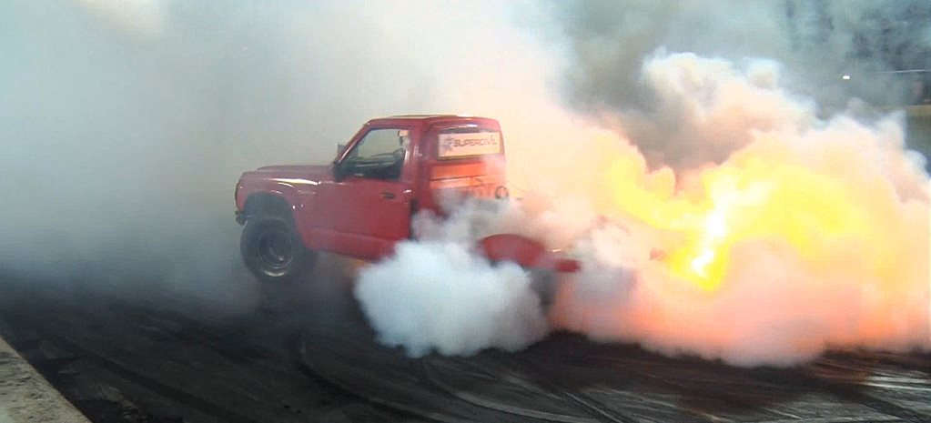 VIDEO: GOOD FRIDAY BURNOUT KING 2015