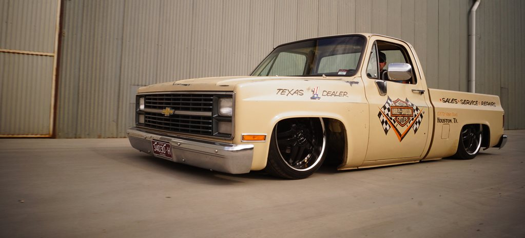 SLAMMED CHEV C10: READER'S CAR OF THE WEEK