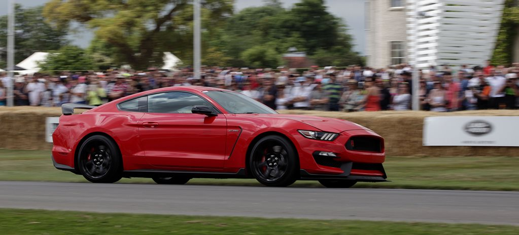 VIDEO: FORD MUSTANG SHELBY GT350R RIPS UP THE GOODWOOD HILLCLIMB