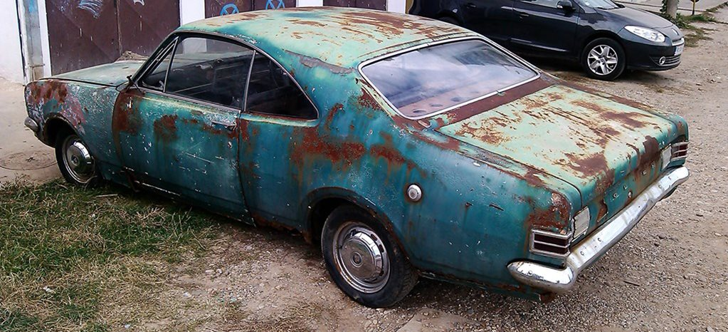 WHAT THE: HOLDEN HK MONARO FOR SALE IN SERBIA